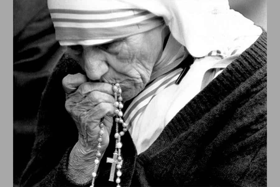 Il Card. Angelo Comastri racconta il suo incontro con Madre Teresa