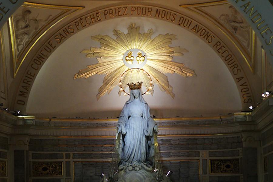 """Le apparizioni della Madonna """"della Medaglia Miracolosa"""" a Rue du Bac (Parigi)"""