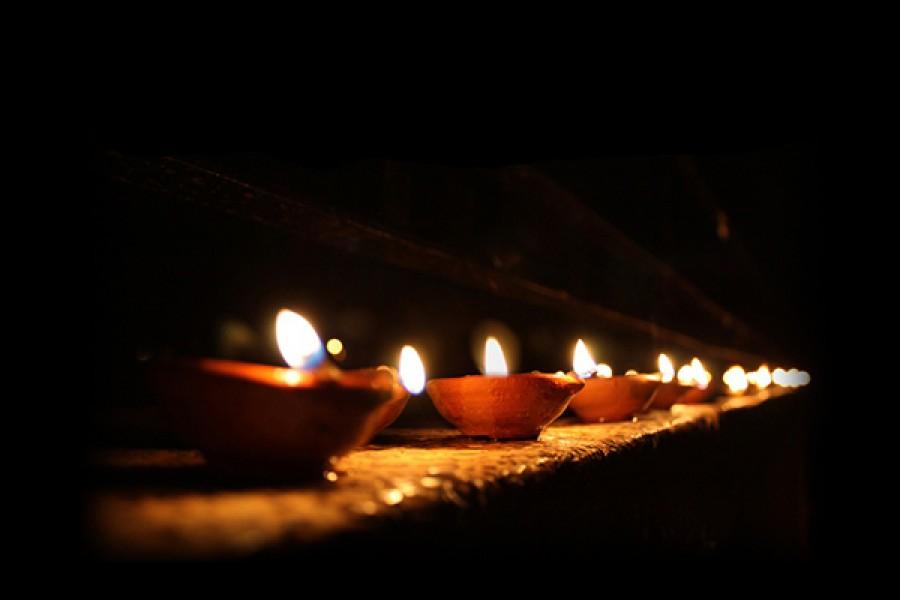 """""""Lampada per i miei passi è la tua parola, luce sul mio cammino"""" (Sal 118,105)"""