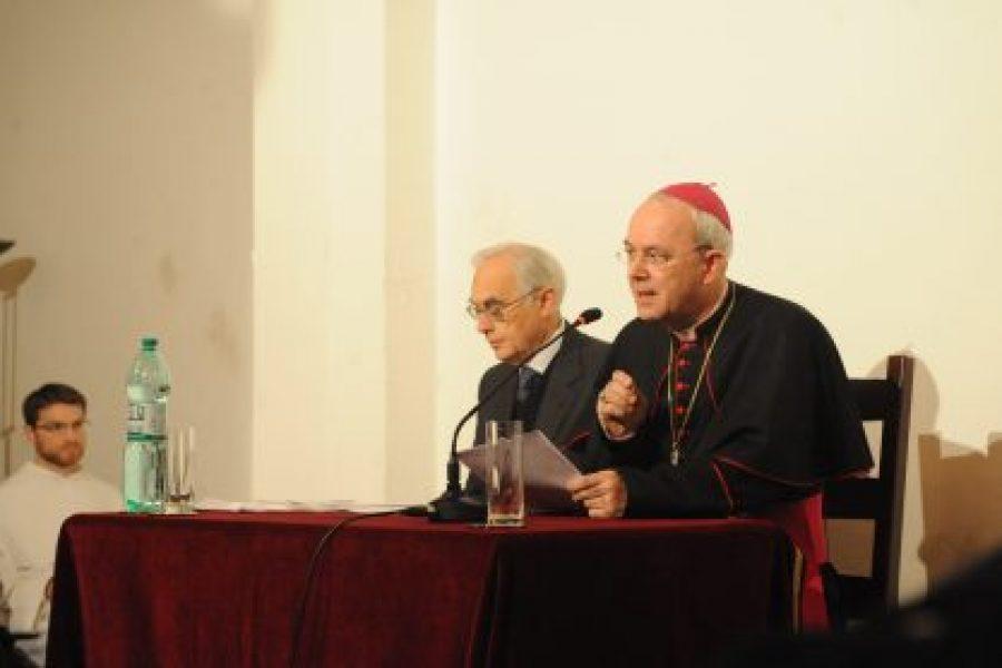 Mons. Athanasius Schneider - La grandezza non negoziabile del matrimonio cristiano
