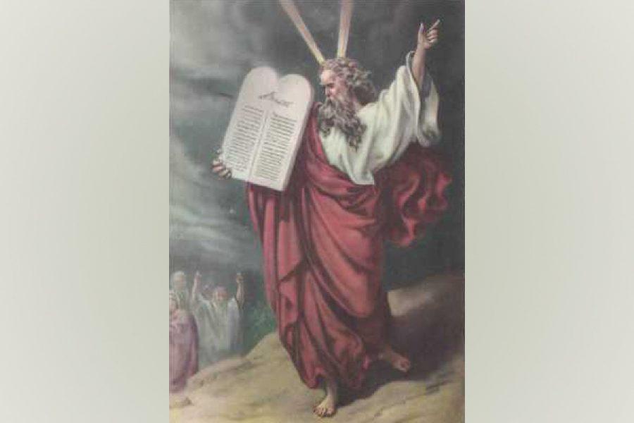 """Guardati dal dimenticare i prodigi di Dio per tutto il tempo della tua vita: """"Ascolta le leggi e le norme che io vi insegno affinché le mettiate in pratica, perché viviate."""""""