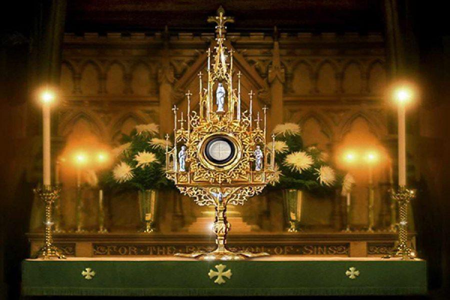 Silenzio, adorazione, formazione liturgica