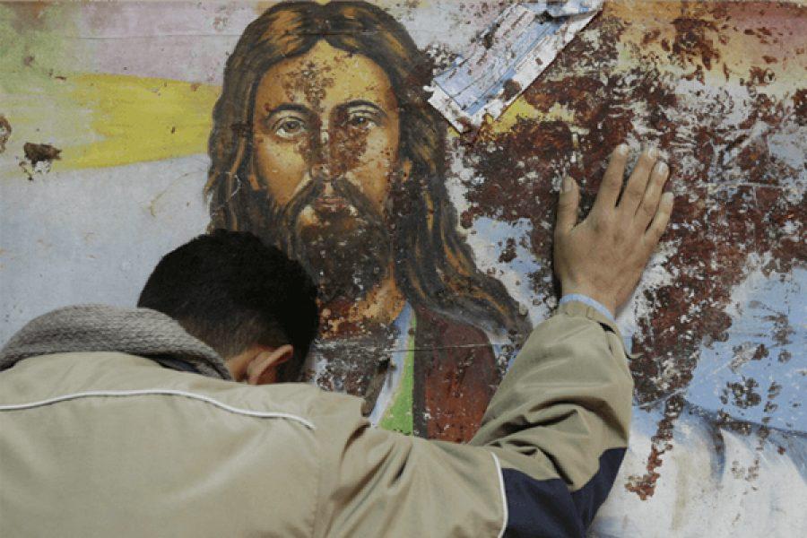 La scelta di seguire Gesù o di camminare dietro al mondo