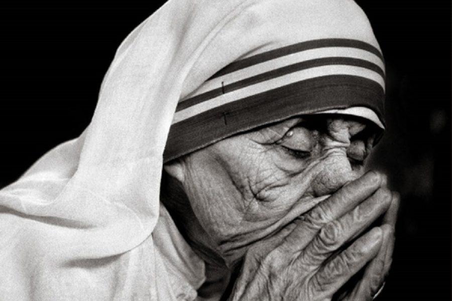 """""""Quando tu preghi, entra nella tua camera, chiudi la porta e prega il Padre tuo, che è nel segreto"""""""