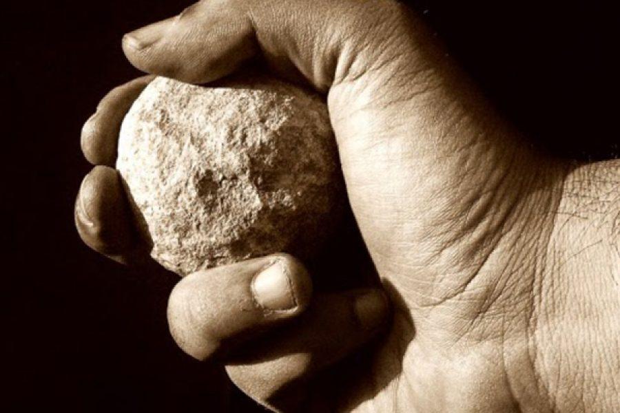 Il peccato mortale e veniale: le pietre scagliate contro Gesù