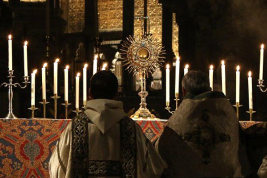 """""""Con amore e timore"""": i cristiani dinanzi all'Eucaristia"""
