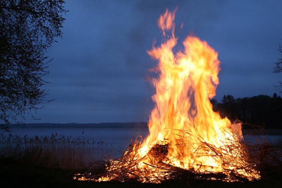 Novena di Natale: Gesù bruciaci di Amore