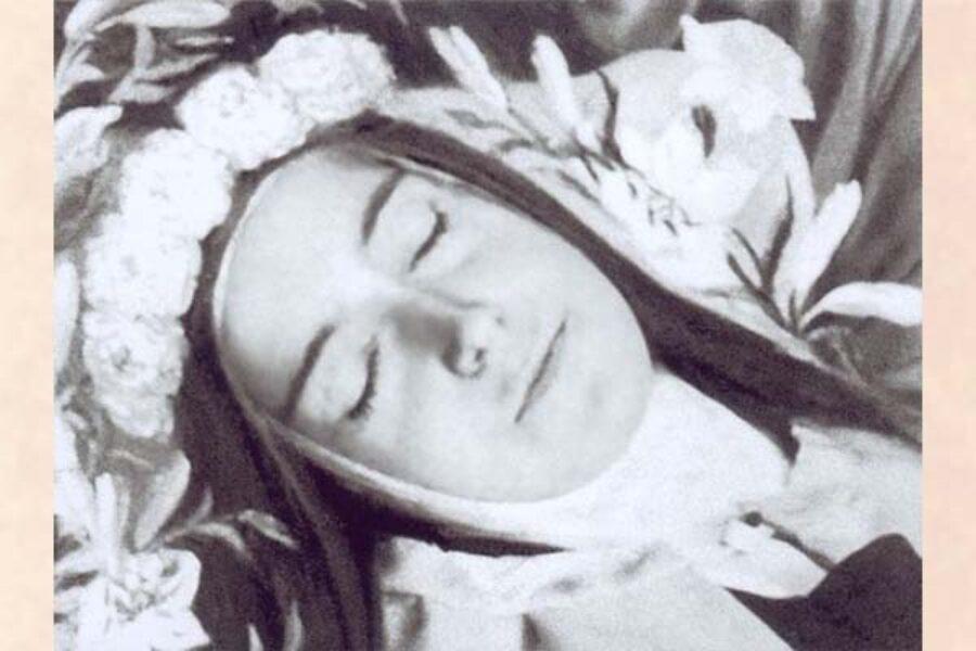 Preghiera a Santa Teresa del Bambino Gesù e del Volto Santo
